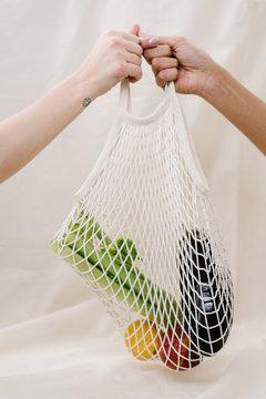 groente en fruit in een netje