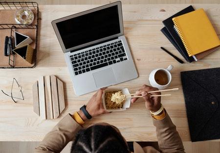 laptop bureau eten